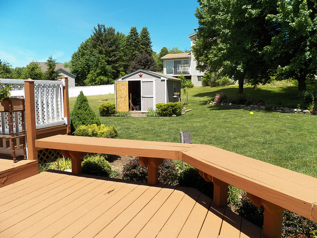 Hand Painting vs. Spray: Which Deck Stain Application Is Better Under the Colorado Sun?