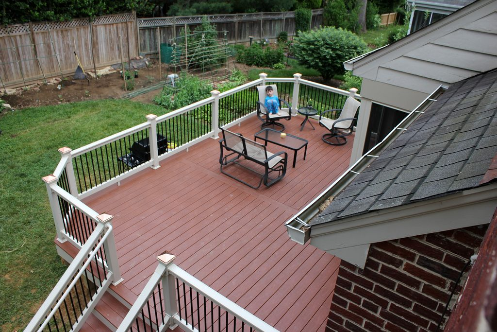 How to Keep Your Deck and Patio Free of Leaf Stains